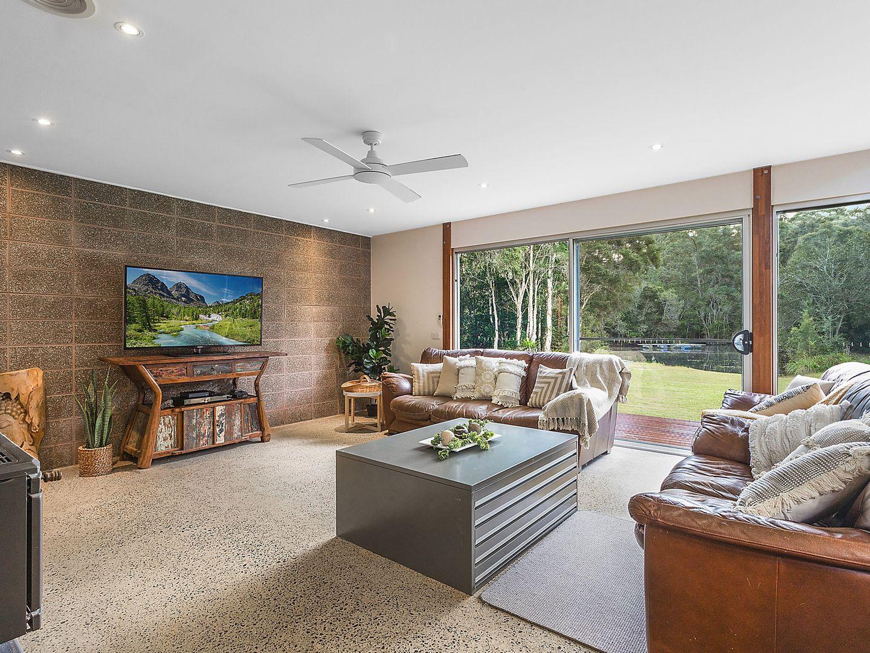 165 Woollamia Road, Falls Creek NSW 2540, Image 2