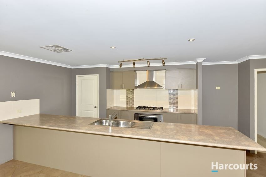 86 Countess Circuit, South Yunderup WA 6208, Image 2
