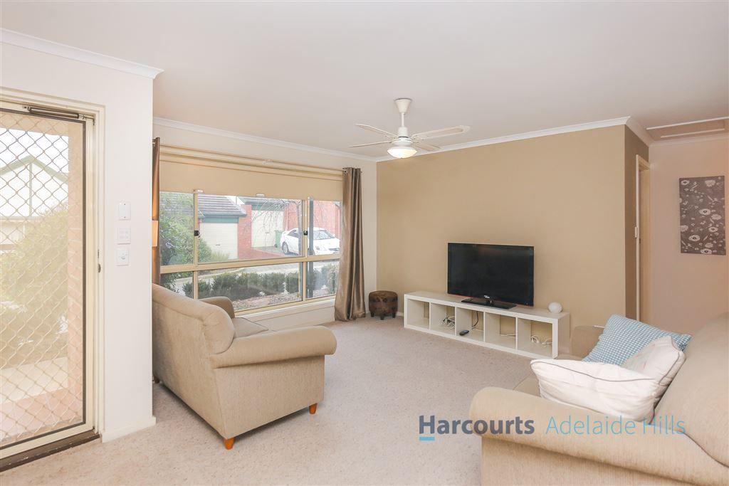 6/4 Walsh Court, Mount Barker SA 5251, Image 2