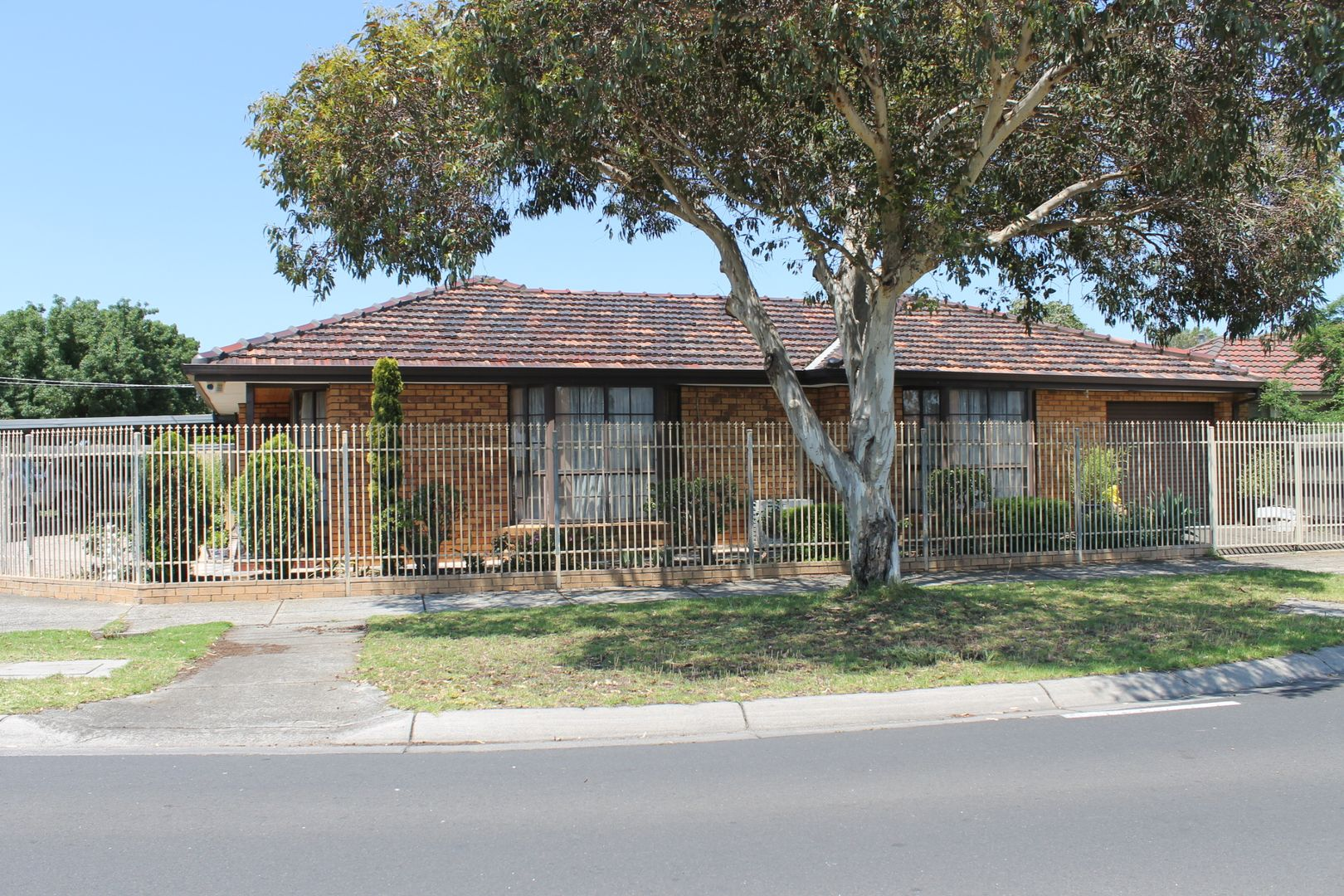 2 Sommers Drive, Altona Meadows VIC 3028, Image 0