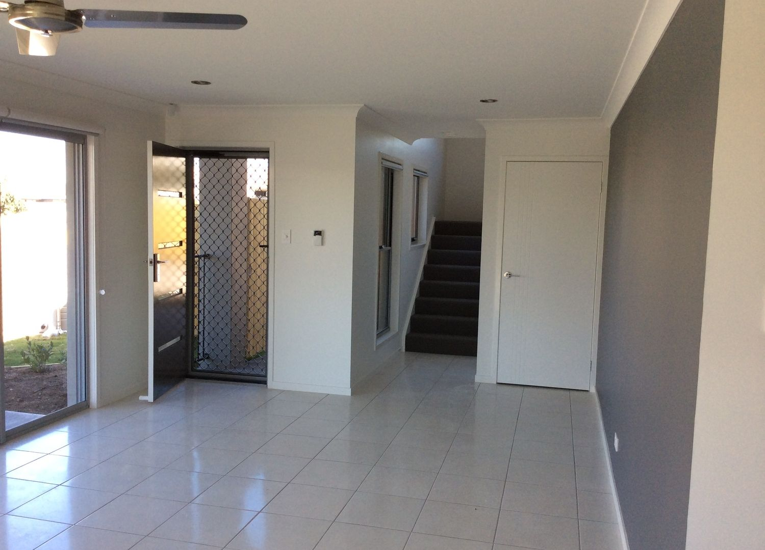 3/7 Webb Court, Rural View QLD 4740, Image 2