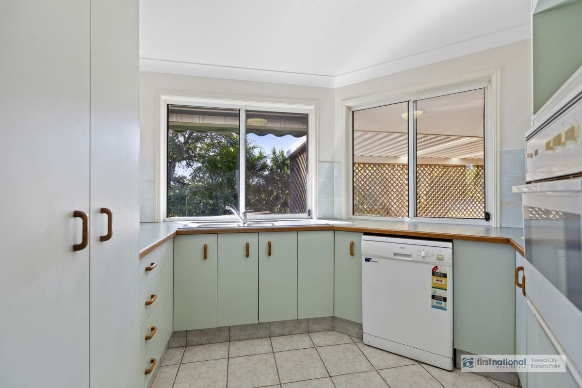 11 Honeymyrtle Drive, Banora Point NSW 2486, Image 2