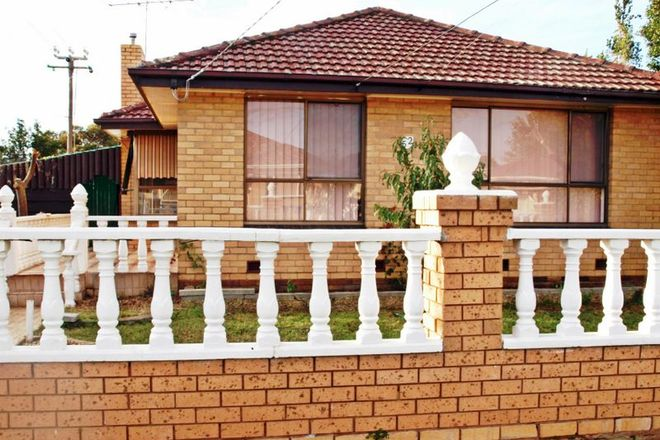 Picture of 52 Tulloch Street, DEER PARK VIC 3023