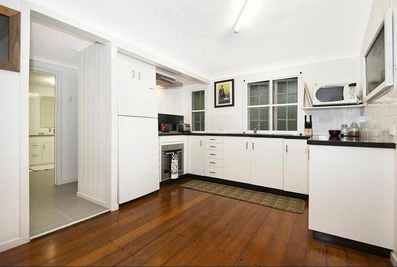 92 Ninth Avenue, Railway Estate QLD 4810, Image 2