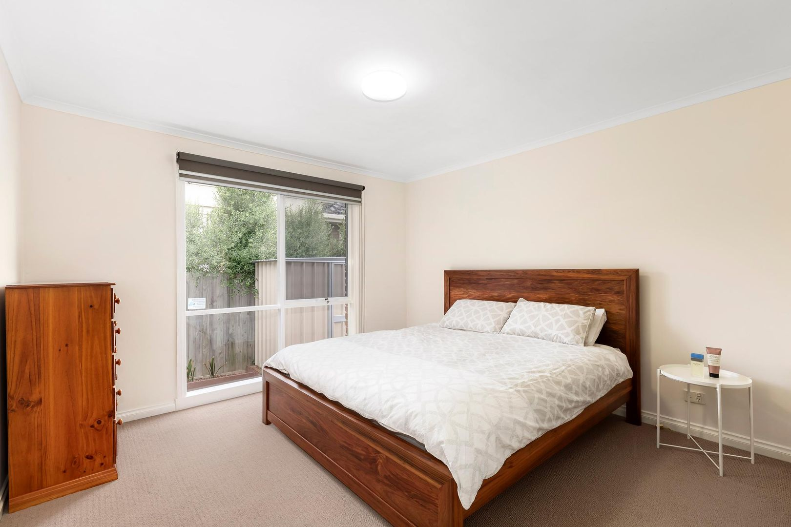 2/11 Hanover Road, Vermont South VIC 3133, Image 2