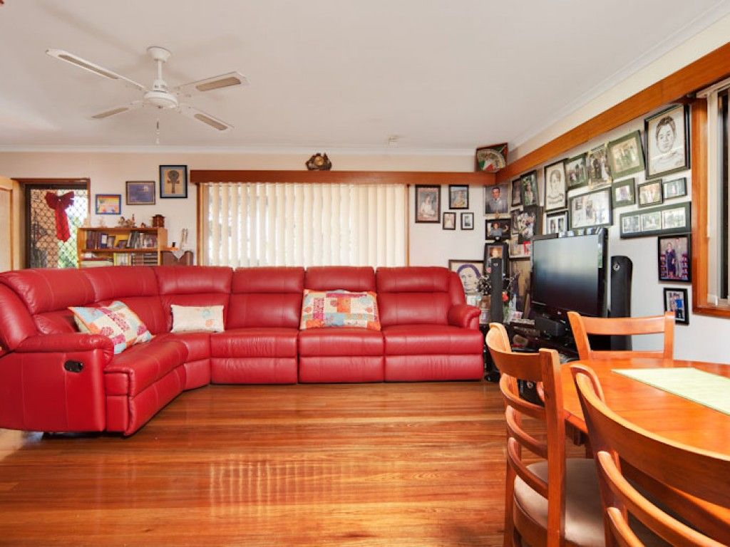 129 Jensen Street, Whitfield QLD 4870, Image 2