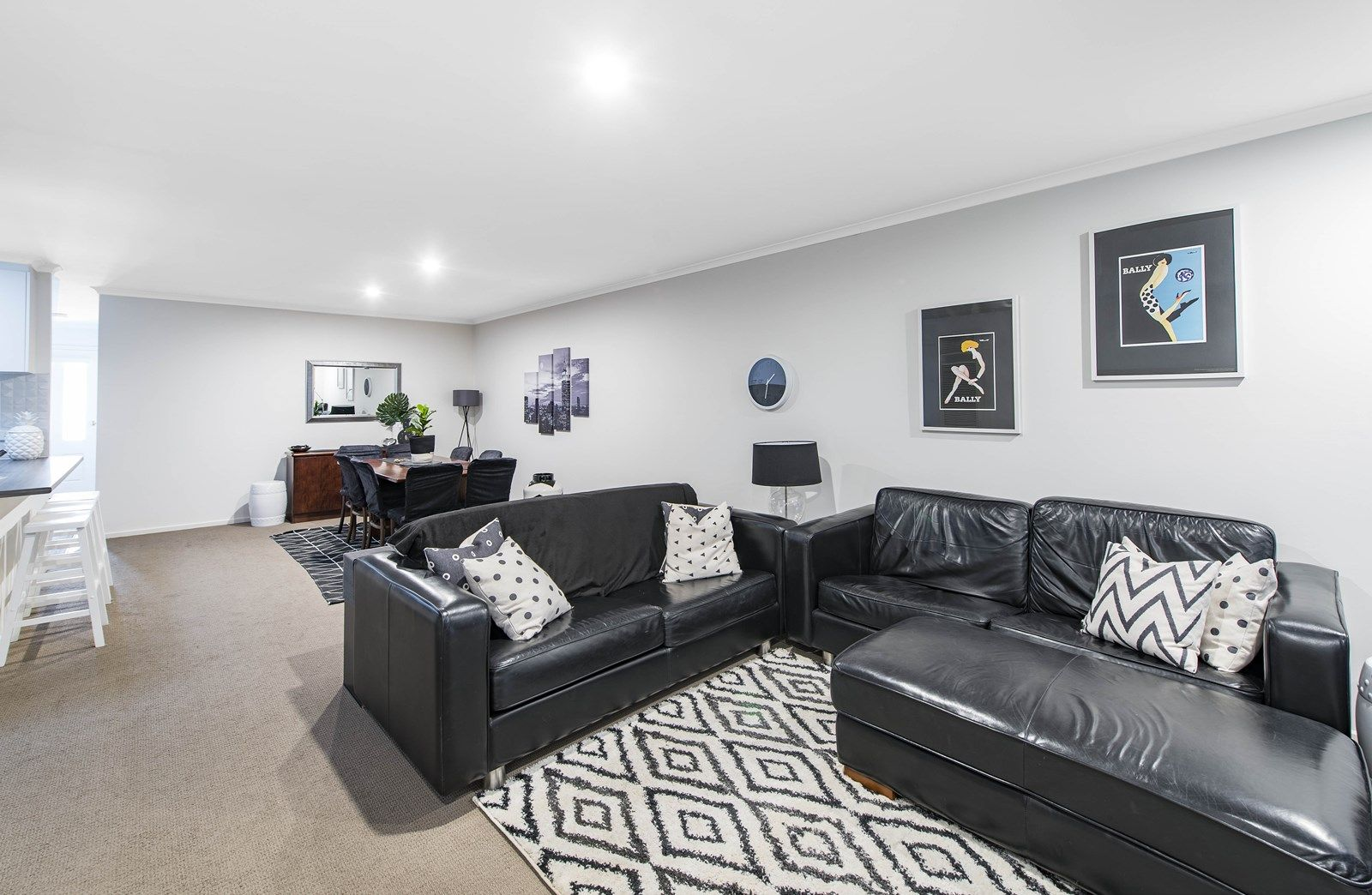 2/16-18 Laurel Place, Jerrabomberra NSW 2619, Image 2