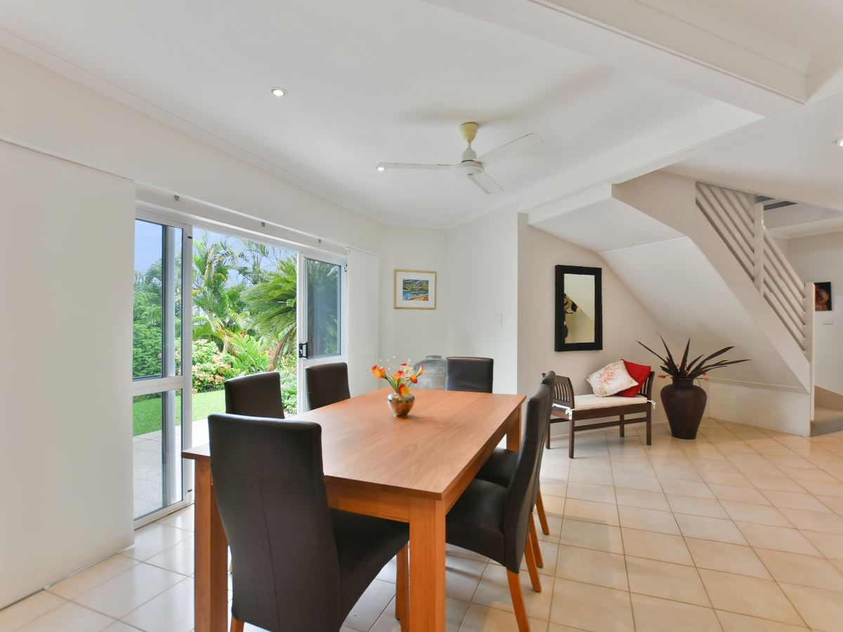 22 Curlewis Close, Brinsmead QLD 4870, Image 2