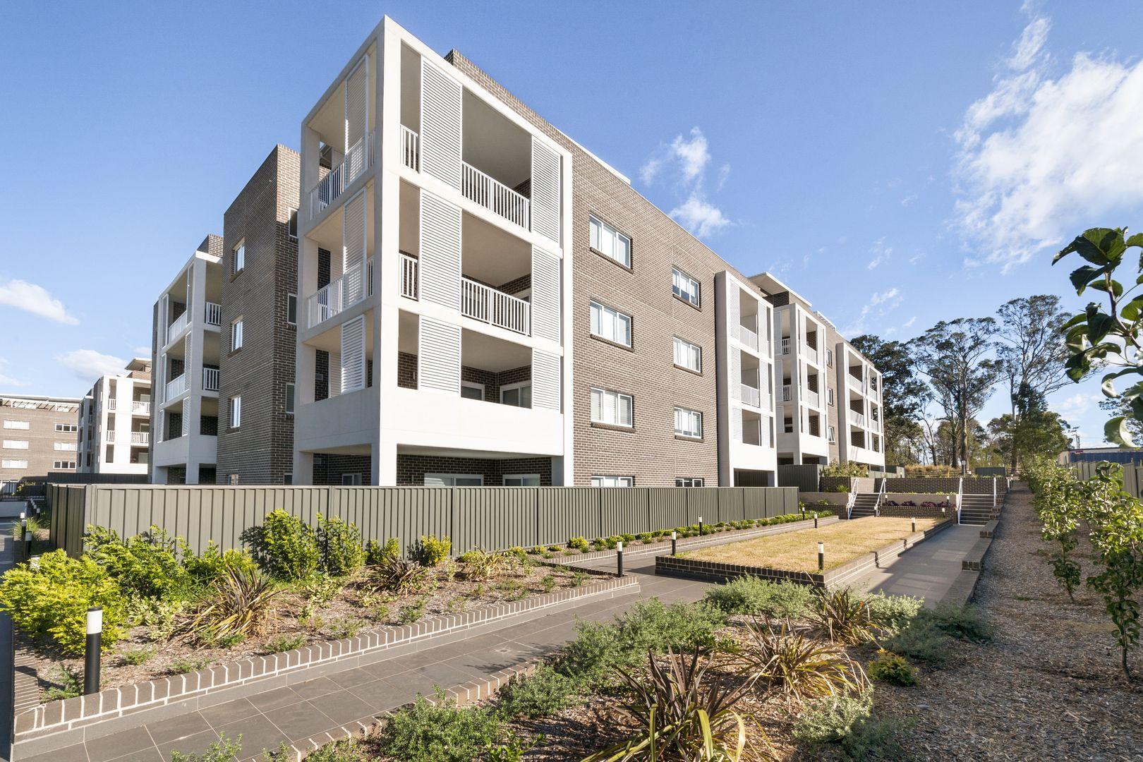 8/23 Regent Honeyeater Grove, Kellyville NSW 2155, Image 2