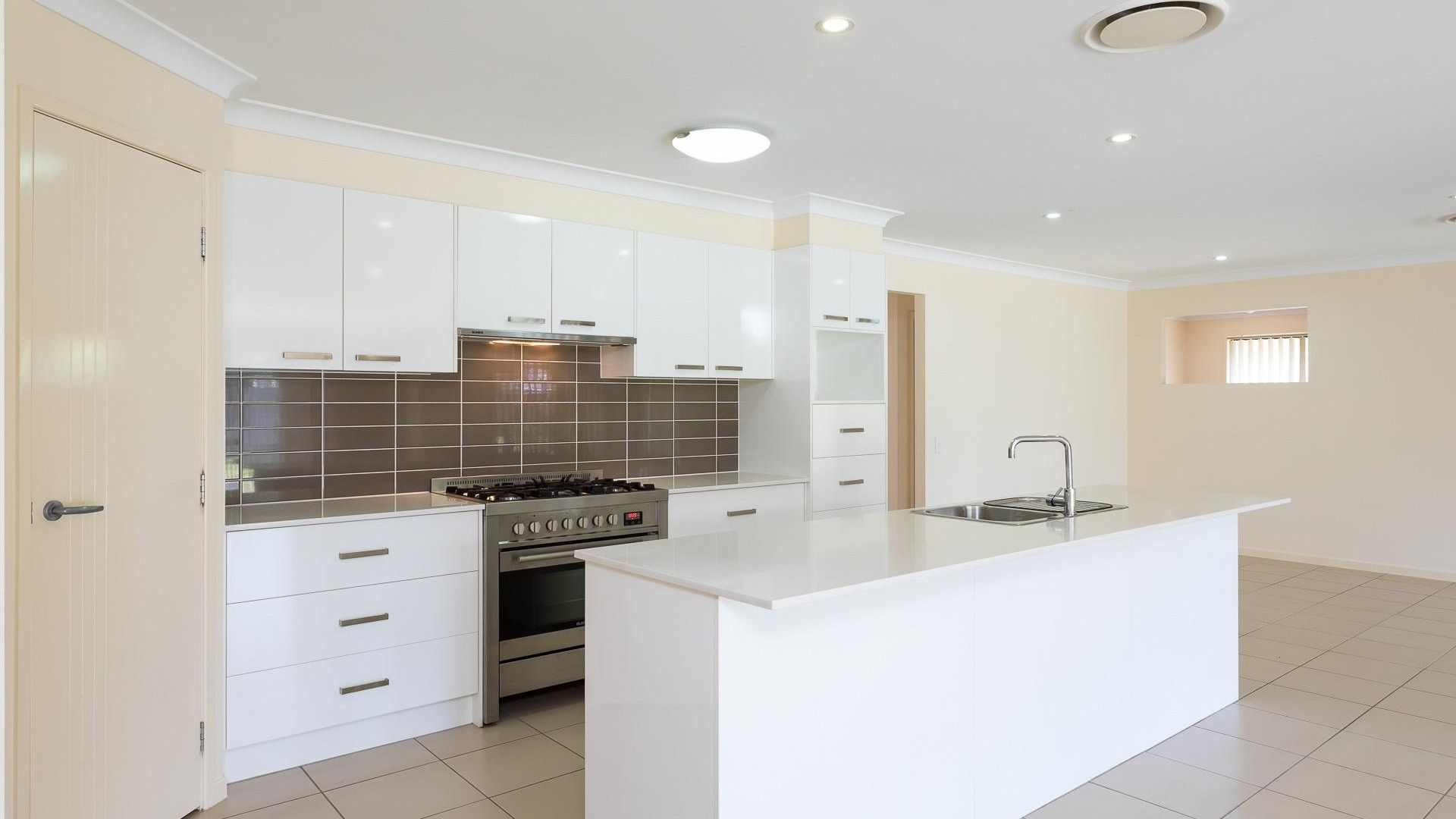24 Jicama Court, Thornlands QLD 4164, Image 2