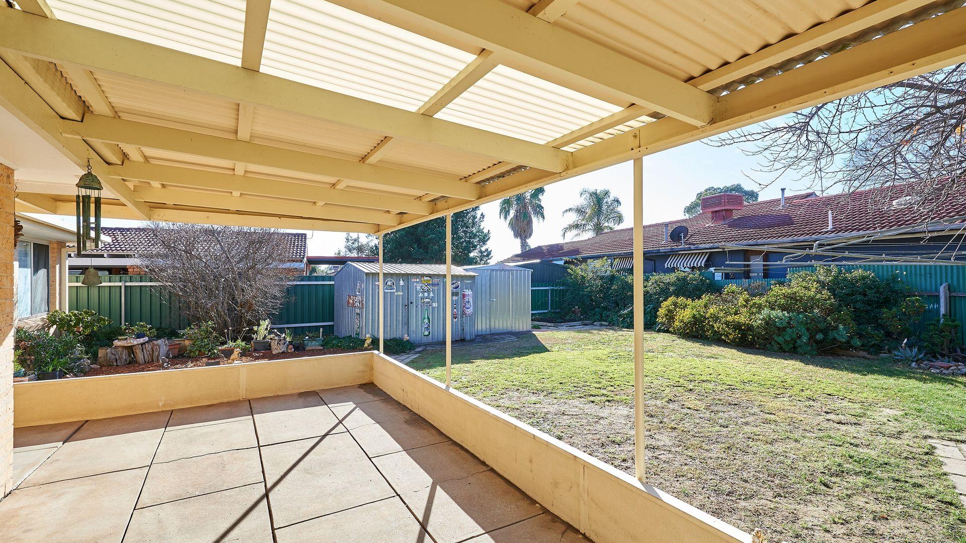 3 Bandera Avenue, Glenfield Park NSW 2650, Image 2