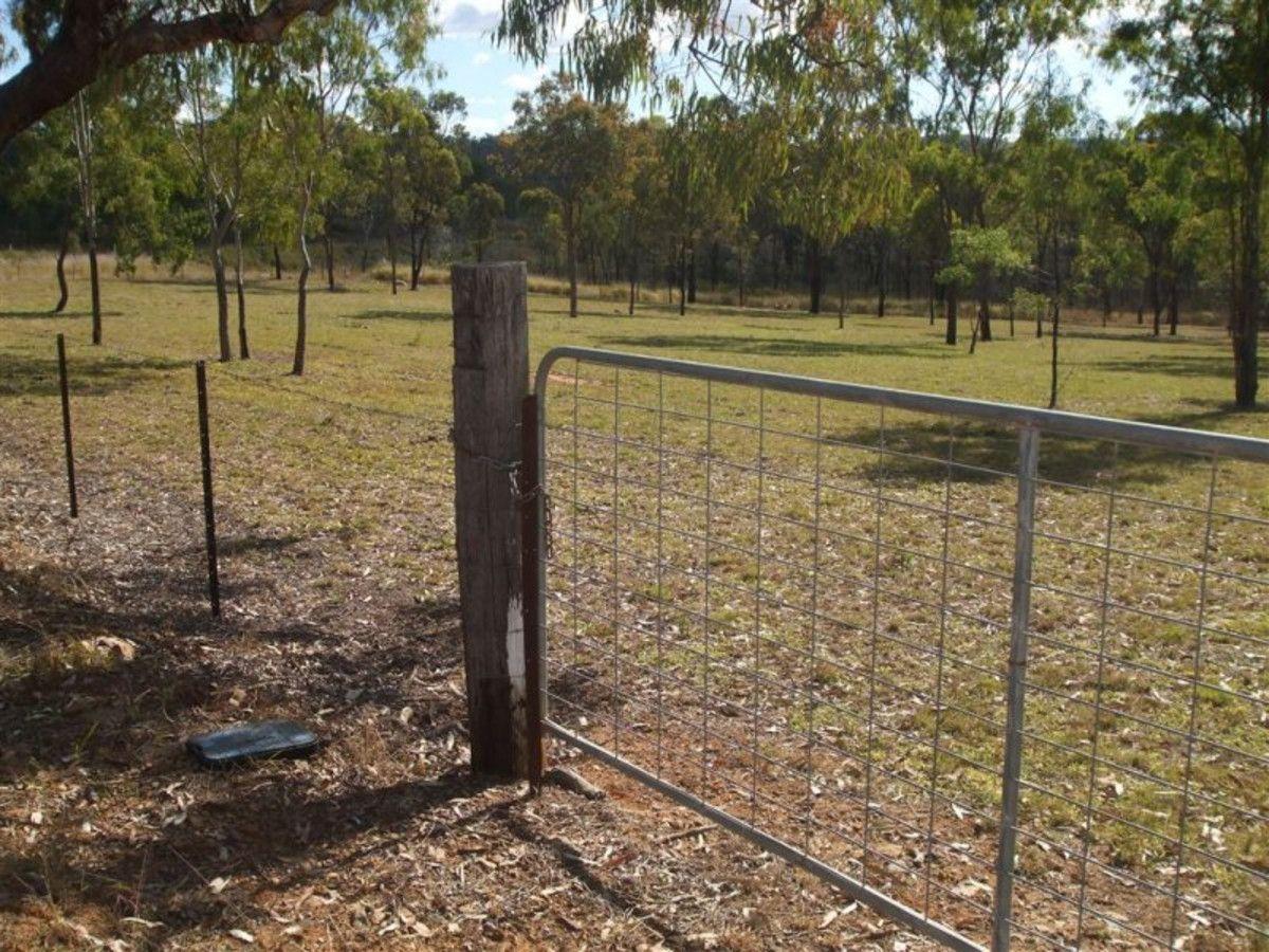 1 Cooks Road, Mount Morgan QLD 4714, Image 2