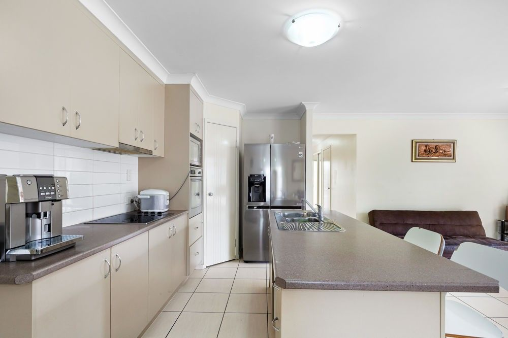 11 Gordon Drive, Bellbird Park QLD 4300, Image 2
