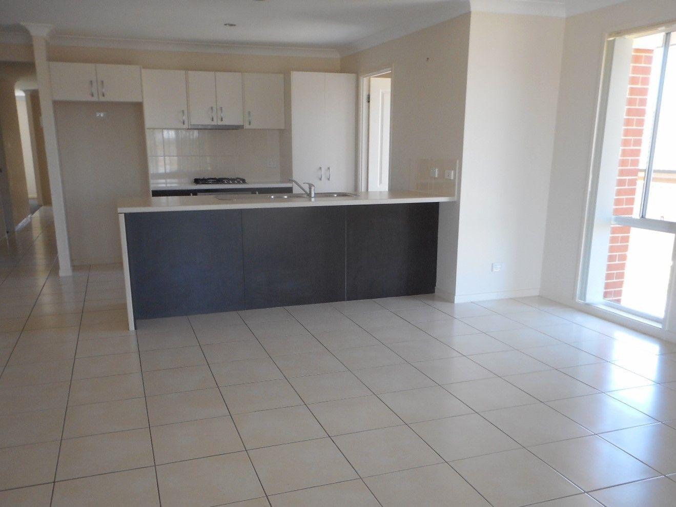 52 Honeyman Drive, Orange NSW 2800, Image 2
