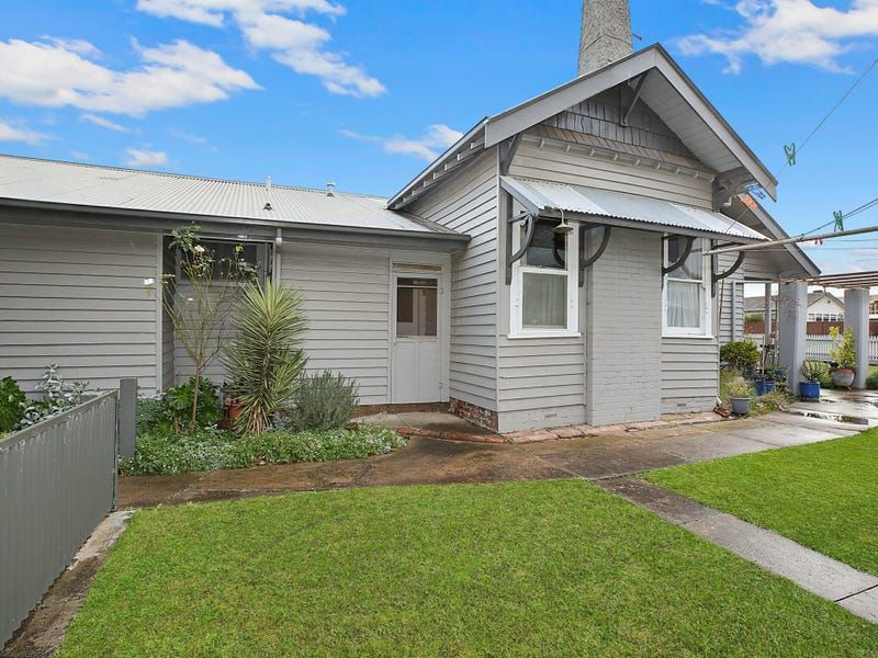 30 Pollack Street, Colac VIC 3250, Image 2