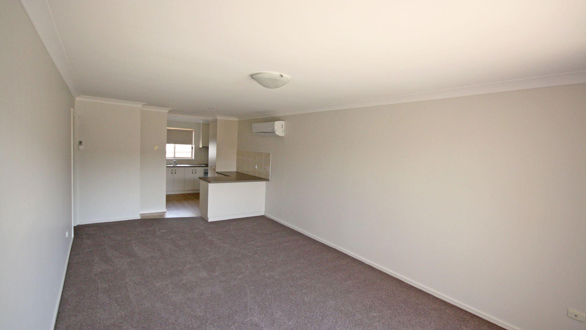 2/30 Kenneally Street, Kooringal NSW 2650, Image 2