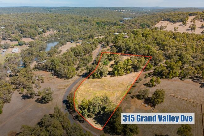 Picture of 315 Grand Valley Drive, CHIDLOW WA 6556