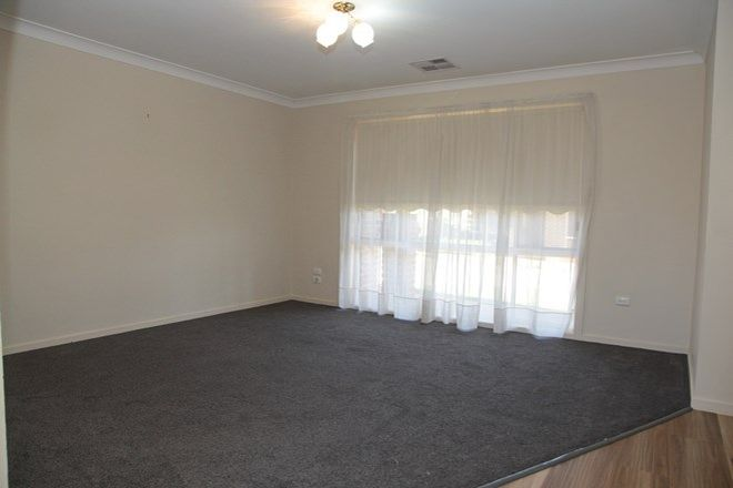 Picture of 1/95 Balleroo Crescent, GLENFIELD PARK NSW 2650