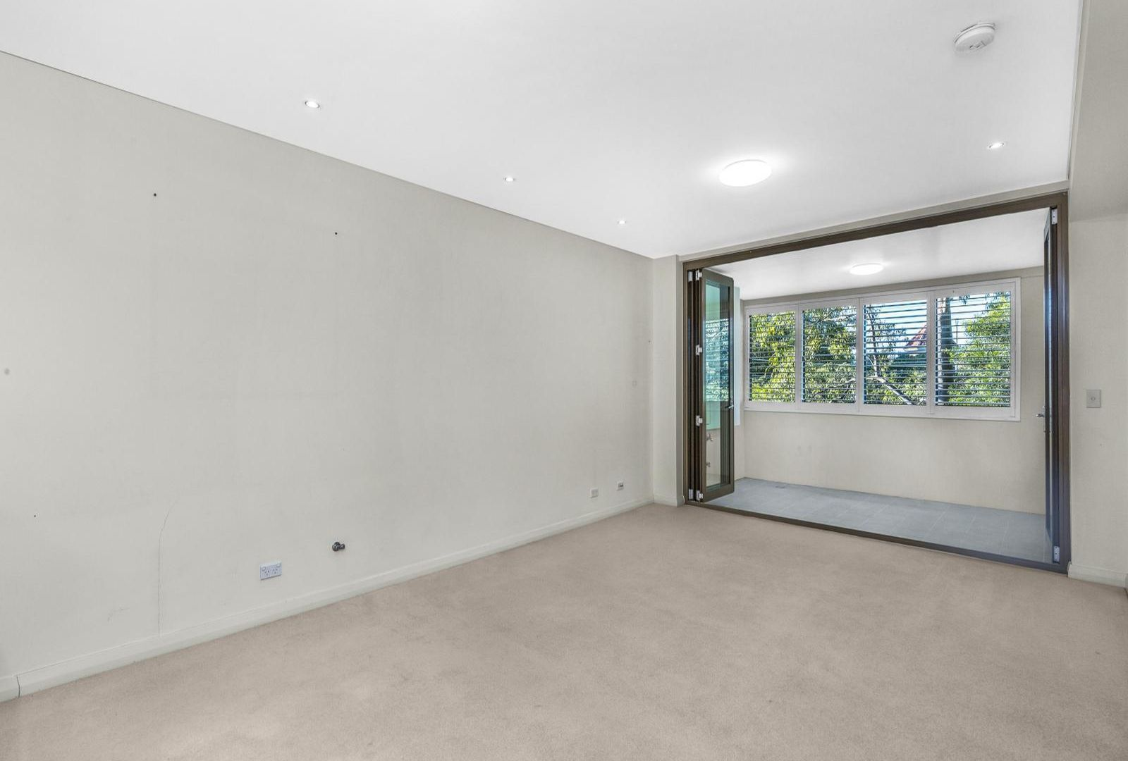 18/2 Clydesdale Place, Pymble NSW 2073, Image 2