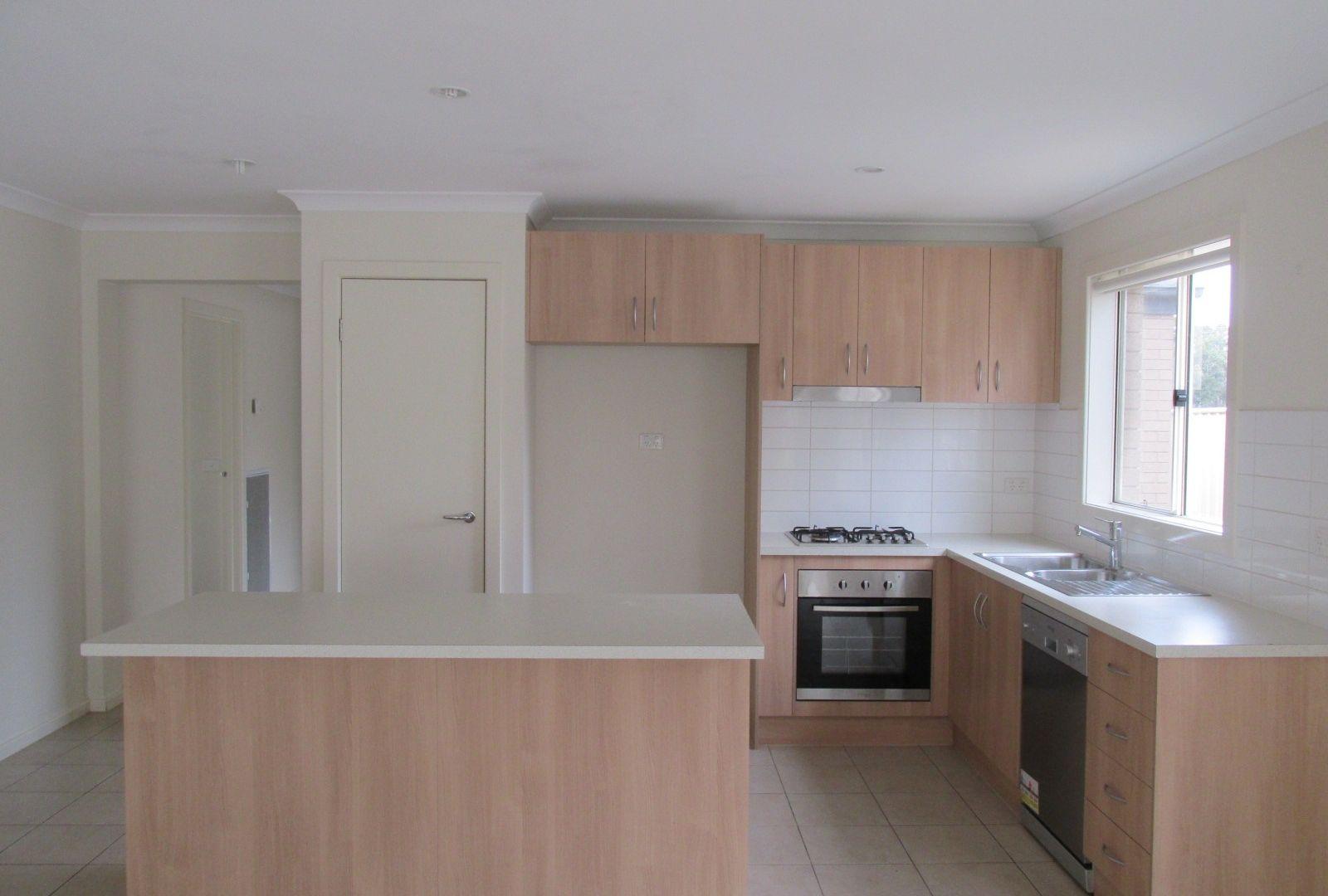 100 Bassett Drive, Strathfieldsaye VIC 3551, Image 1