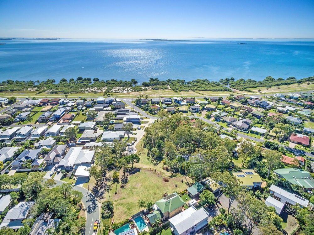 18 Baywalk Place, Thorneside QLD 4158, Image 2