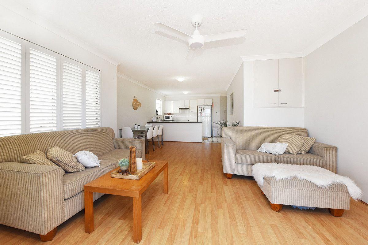 1/8 Orvieto Terrace, Kings Beach QLD 4551, Image 1