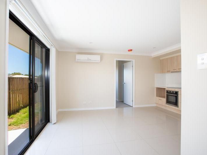 2/19 Bassett Lane, Rosewood QLD 4340, Image 2
