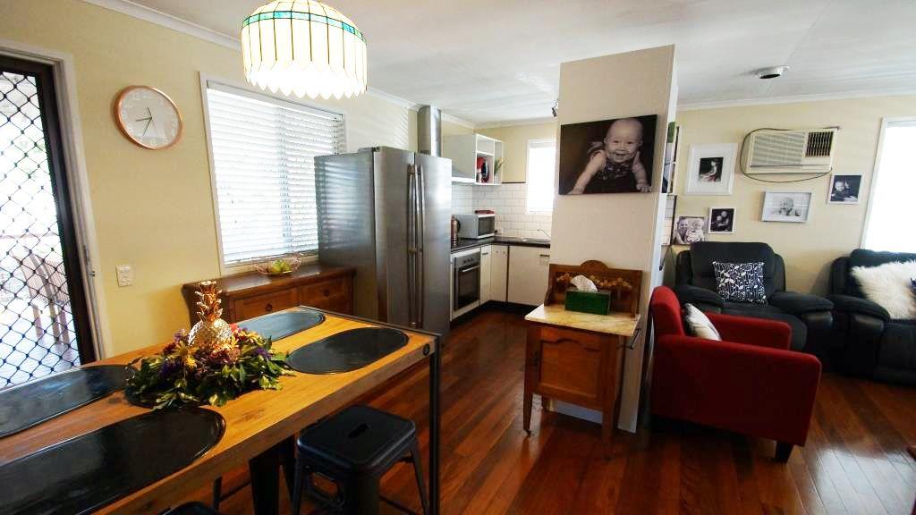 19 ALPINIA STREET, Alexandra Hills QLD 4161, Image 2
