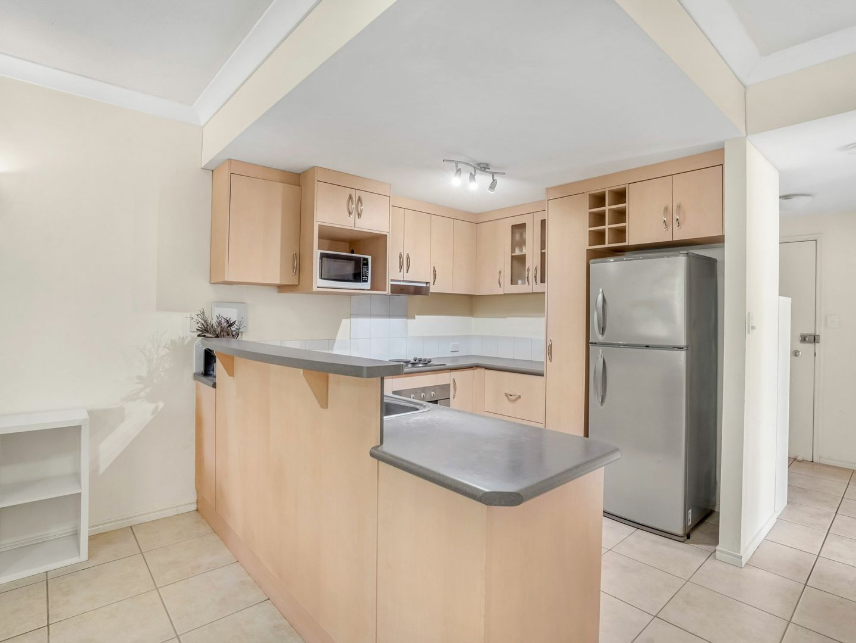 6/65-69 Grove Street, Parramatta Park QLD 4870, Image 2