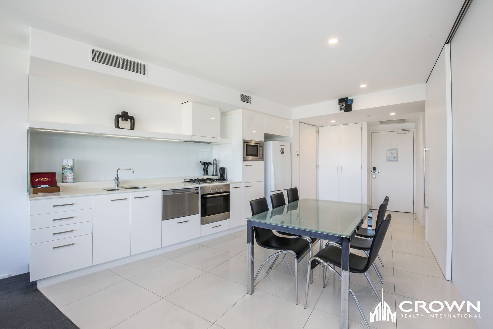 Level 23, 2307/9 'Q1' Hamilton Avenue, Surfers Paradise QLD 4217, Image 2