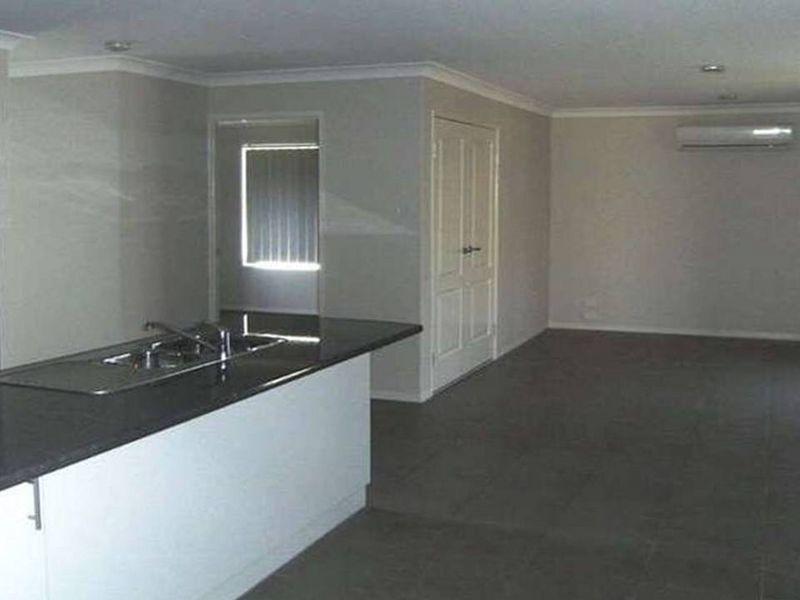 5 Rose Lea Ct, Warwick QLD 4370, Image 2