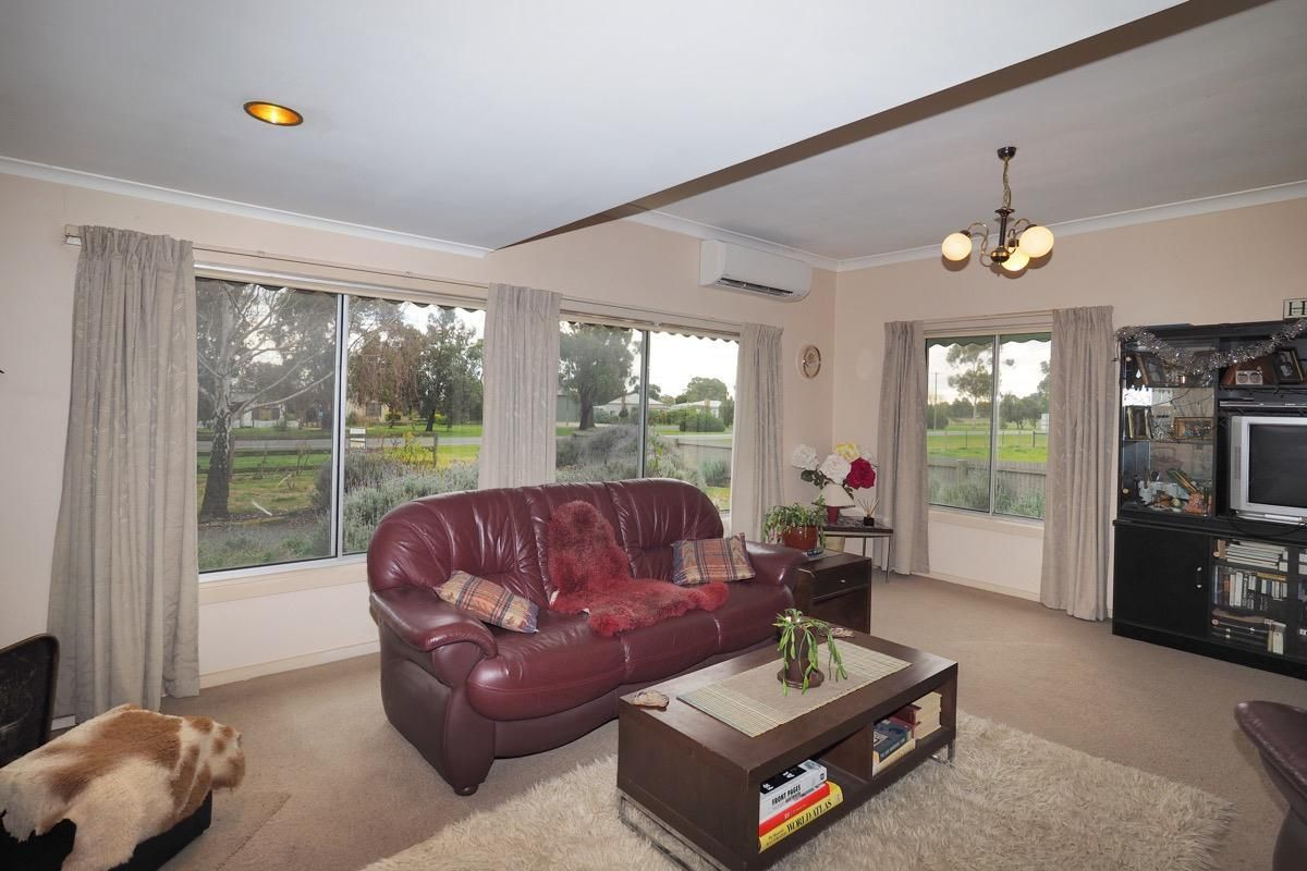 2083 Glenelg Highway, Lake Bolac VIC 3351, Image 2