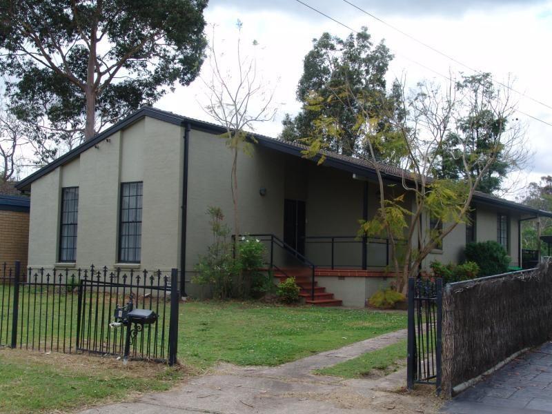 4 Finschhafen Street, Holsworthy NSW 2173, Image 0