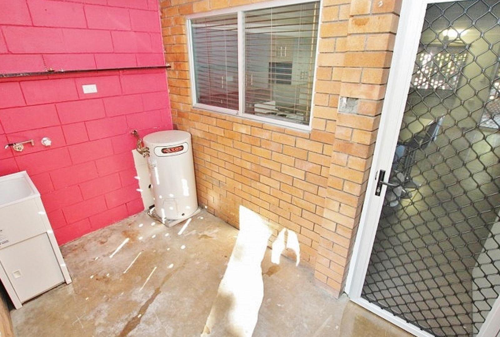 2/6 Bates Avenue, Park Avenue QLD 4701, Image 7