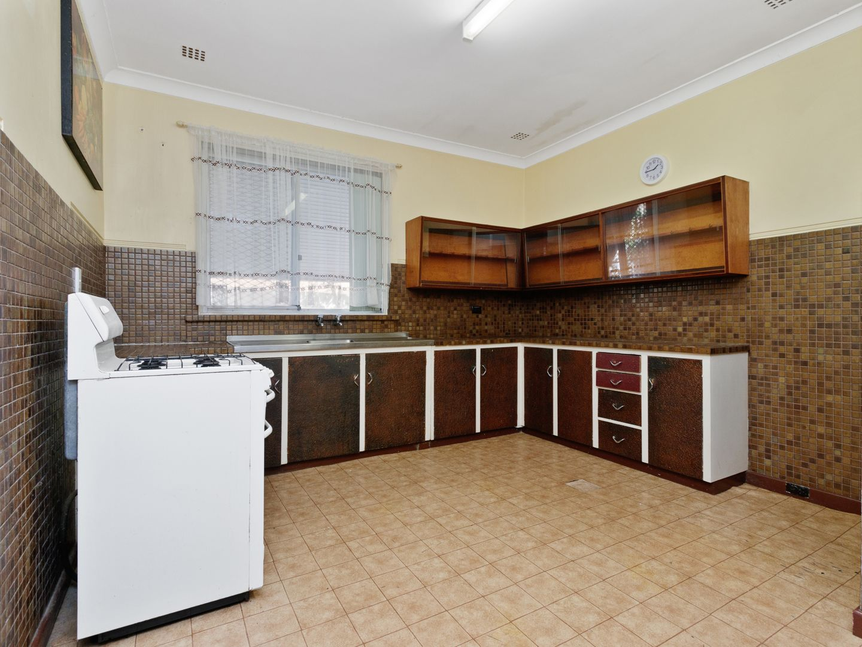 6 Whittlesford Street, East Victoria Park WA 6101, Image 2