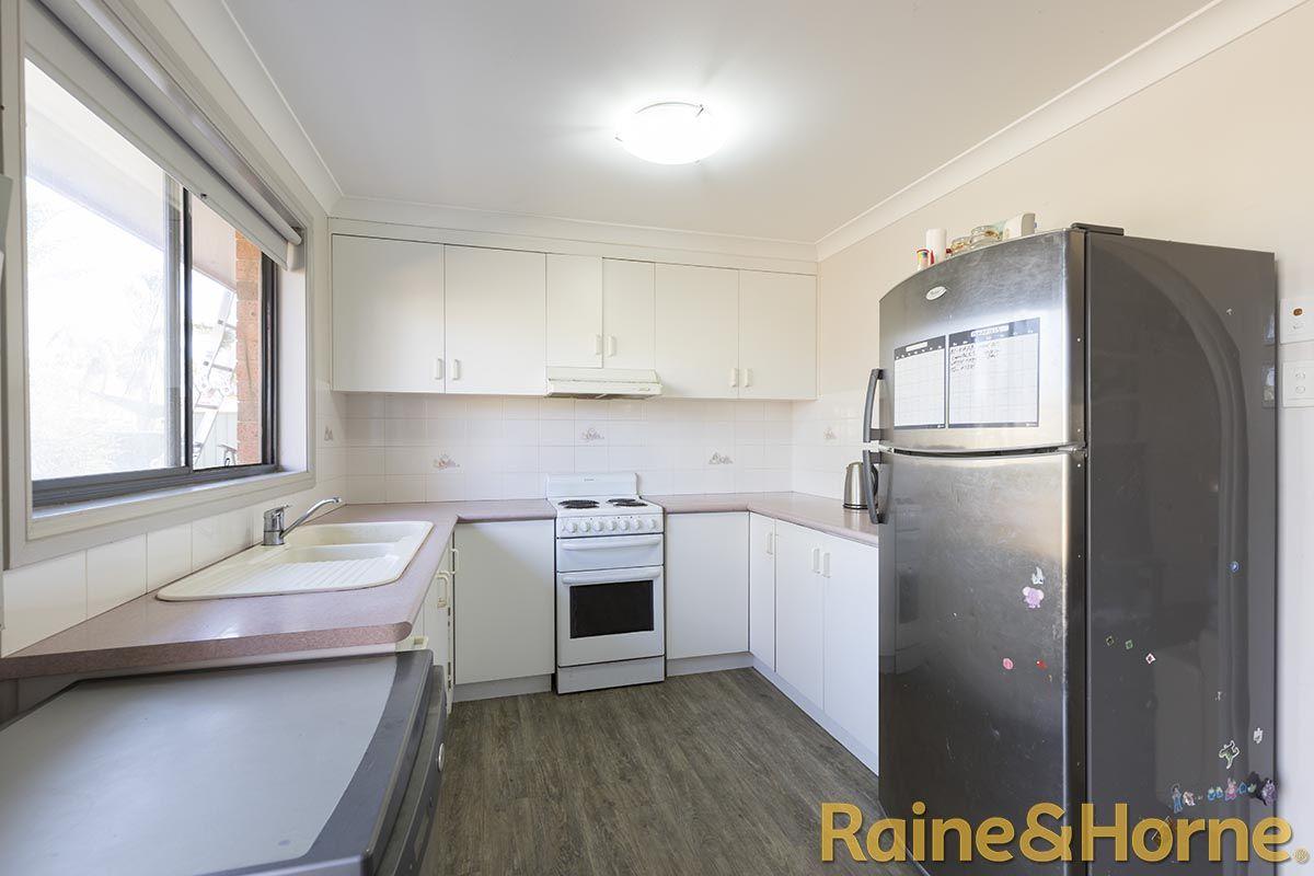26 Cormorant Crescent, Dubbo NSW 2830, Image 2
