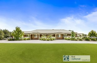Picture of 3 Sugarloaf Bend, Brookfield VIC 3338