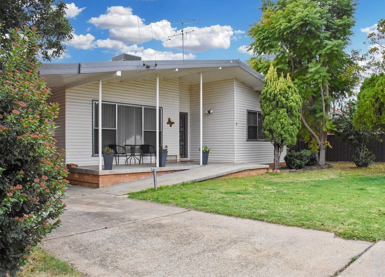 11 HOPEDALE AVENUE, Gunnedah NSW 2380, Image 0