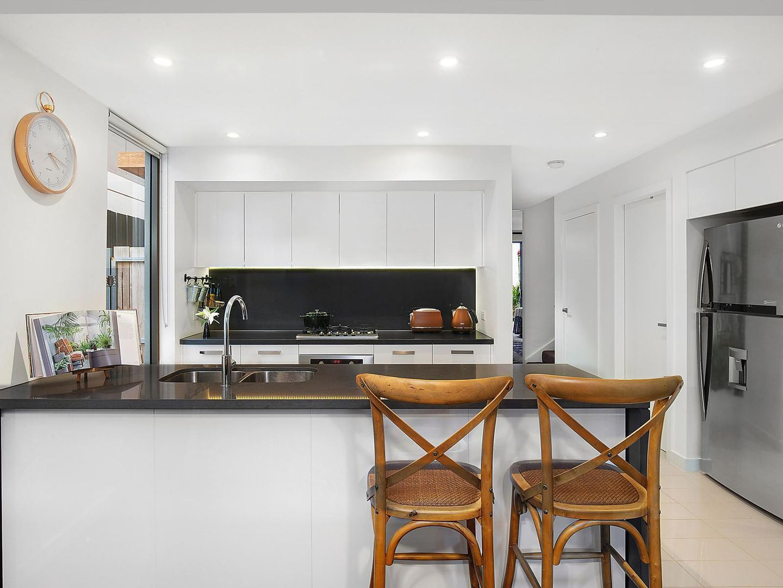 6 Lardelli Drive, Ryde NSW 2112, Image 2