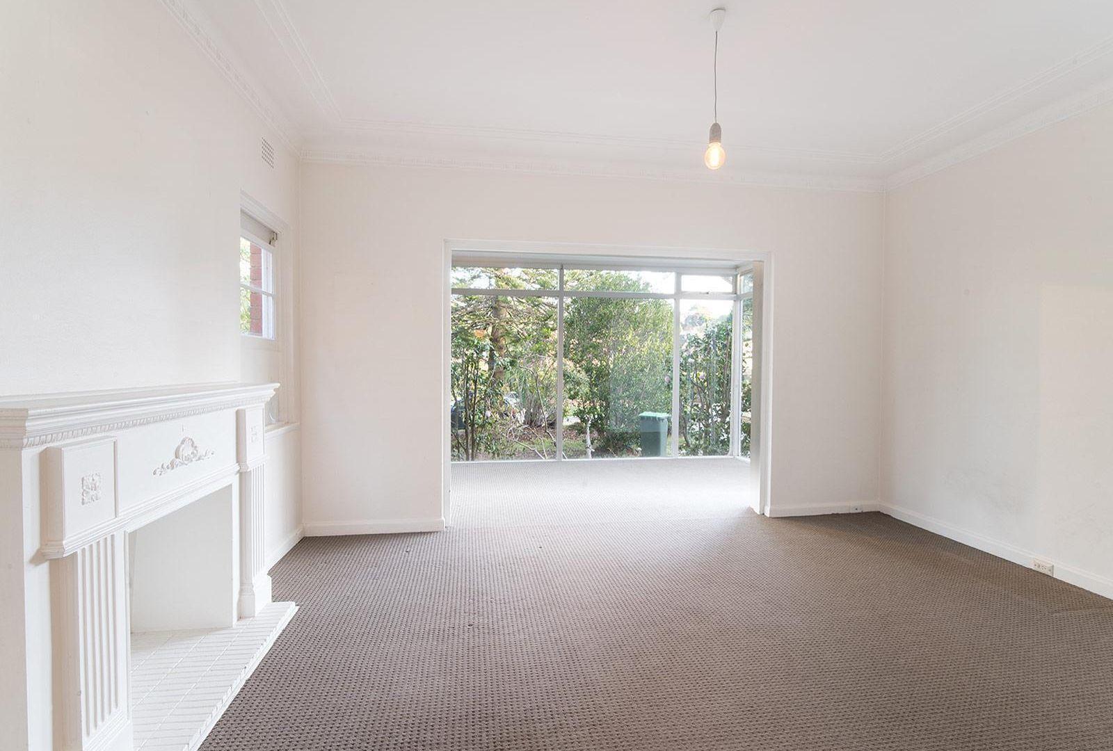27 Sugarloaf Crescent, Castlecrag NSW 2068, Image 1