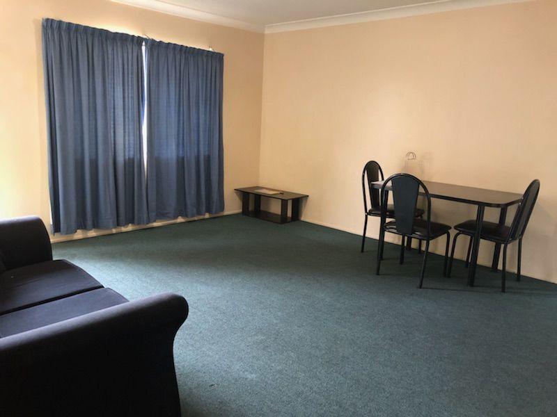 2/18 Esmond Street, Emerald QLD 4720, Image 2