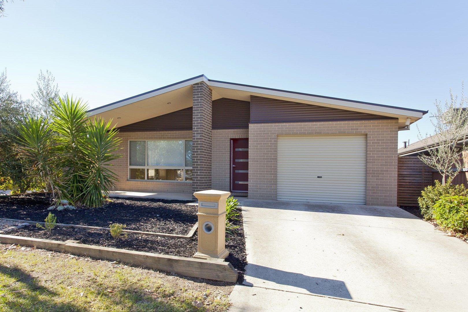 1/462 Parnall Street, Lavington NSW 2641, Image 0