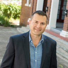 Robert Cavallaro, Sales Manager
