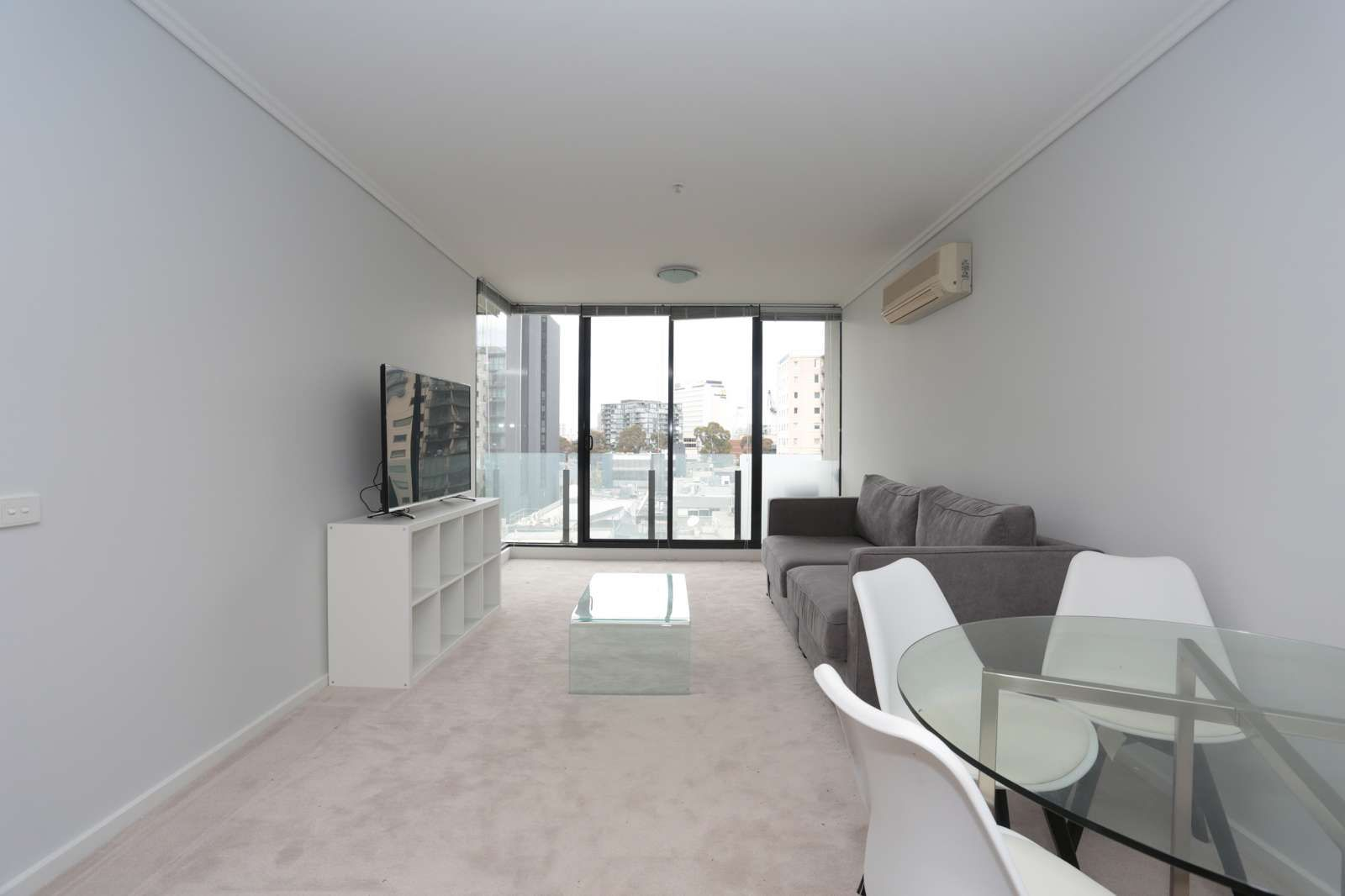609/38 Bank Street, South Melbourne VIC 3205, Image 2