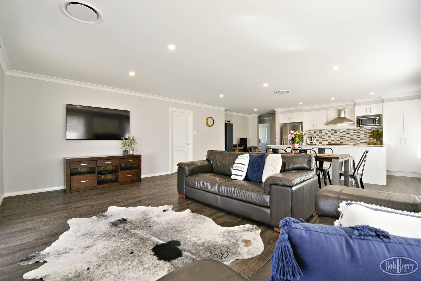 51 Holmwood  Drive, Dubbo NSW 2830, Image 0