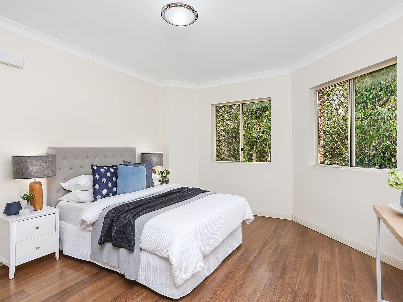 4/52 Carrington Avenue, Hurstville NSW 2220, Image 2
