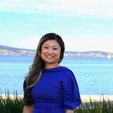 Stephanie Huizing, Sales representative
