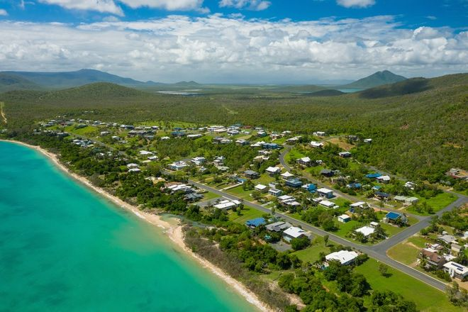 Picture of 27 Rattray Avenue, HIDEAWAY BAY QLD 4800