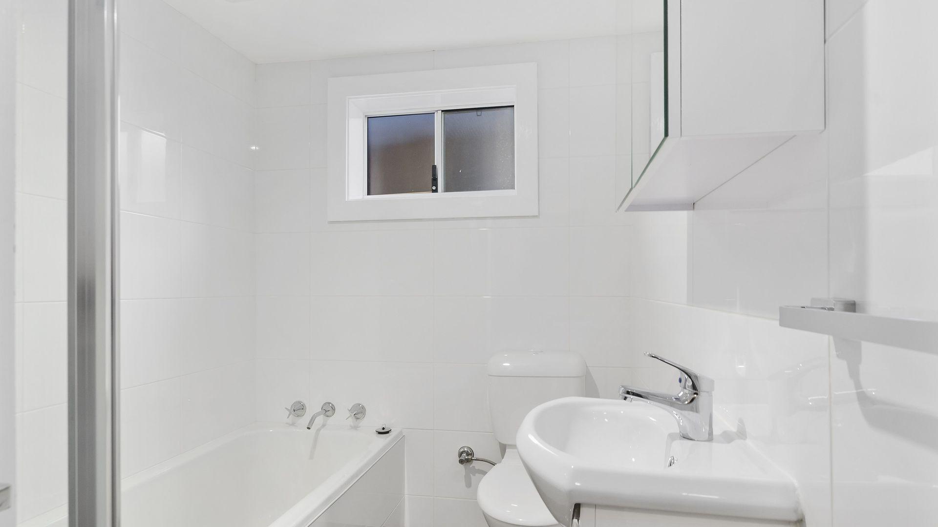 3/30 Rowland Avenue, Wollongong NSW 2500, Image 2