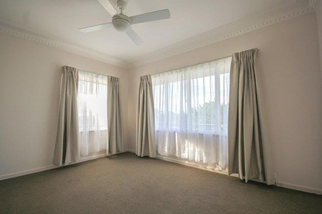 Picture of 2/19 Thompson Street, GREENSLOPES QLD 4120